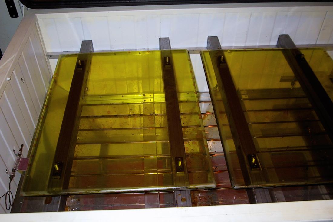 Photo Plaque de gélatine bichromatée après étuvage à 50° C pendant 3 heures