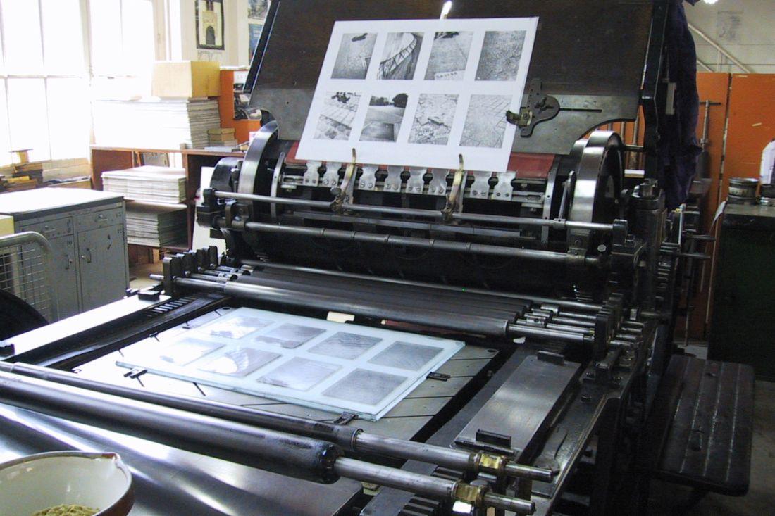 Photo Presse phototypie pendant le tirage